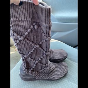 Uggs knitted boots sz 9